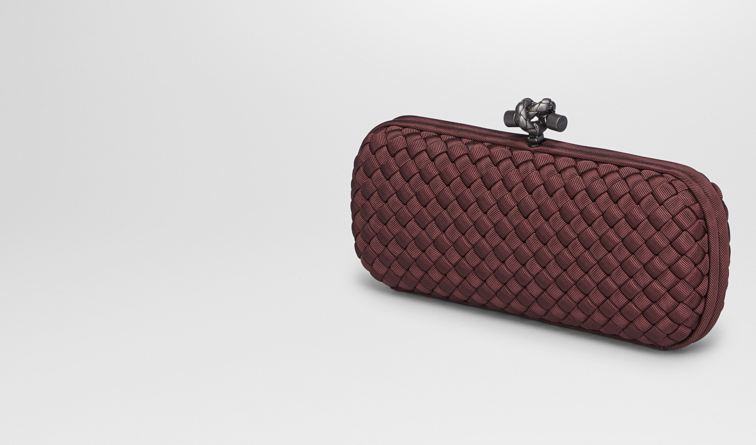 BOTTEGA VENETA Clutch D STRETCH KNOT CLUTCH IN AUBERGINE INTRECCIO FAILLE MOIRE pl