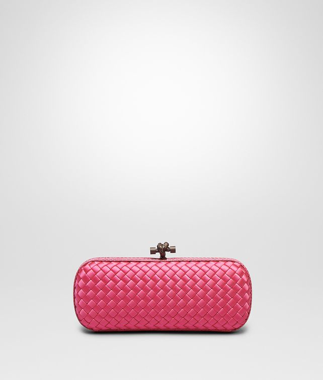 BOTTEGA VENETA STRETCH KNOT AUS INTRECCIO IMPERO IN ROSA SHOCK MIT AYERS-DETAILS Clutch D fp