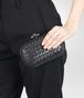 BOTTEGA VENETA KNOT AUS METALL INTRECCIO PLACCATO NERO Clutch D ap