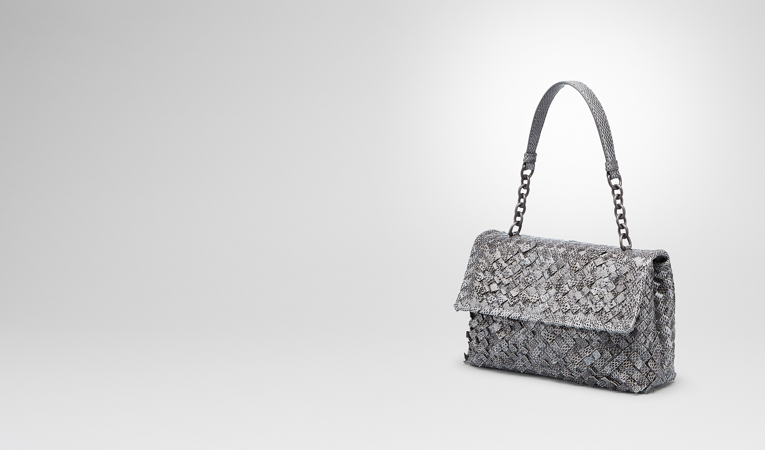 BOTTEGA VENETA Borsa a spalla D BORSA OLIMPIA NEW LIGHT GREY IN AYERS INTRECCIO TOBU pl