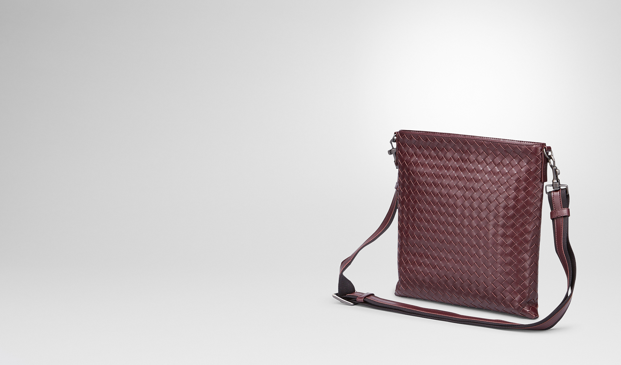 BOTTEGA VENETA Messenger Bag U Aubergine Nero Intrecciato Vn Cross Body Messenger pl