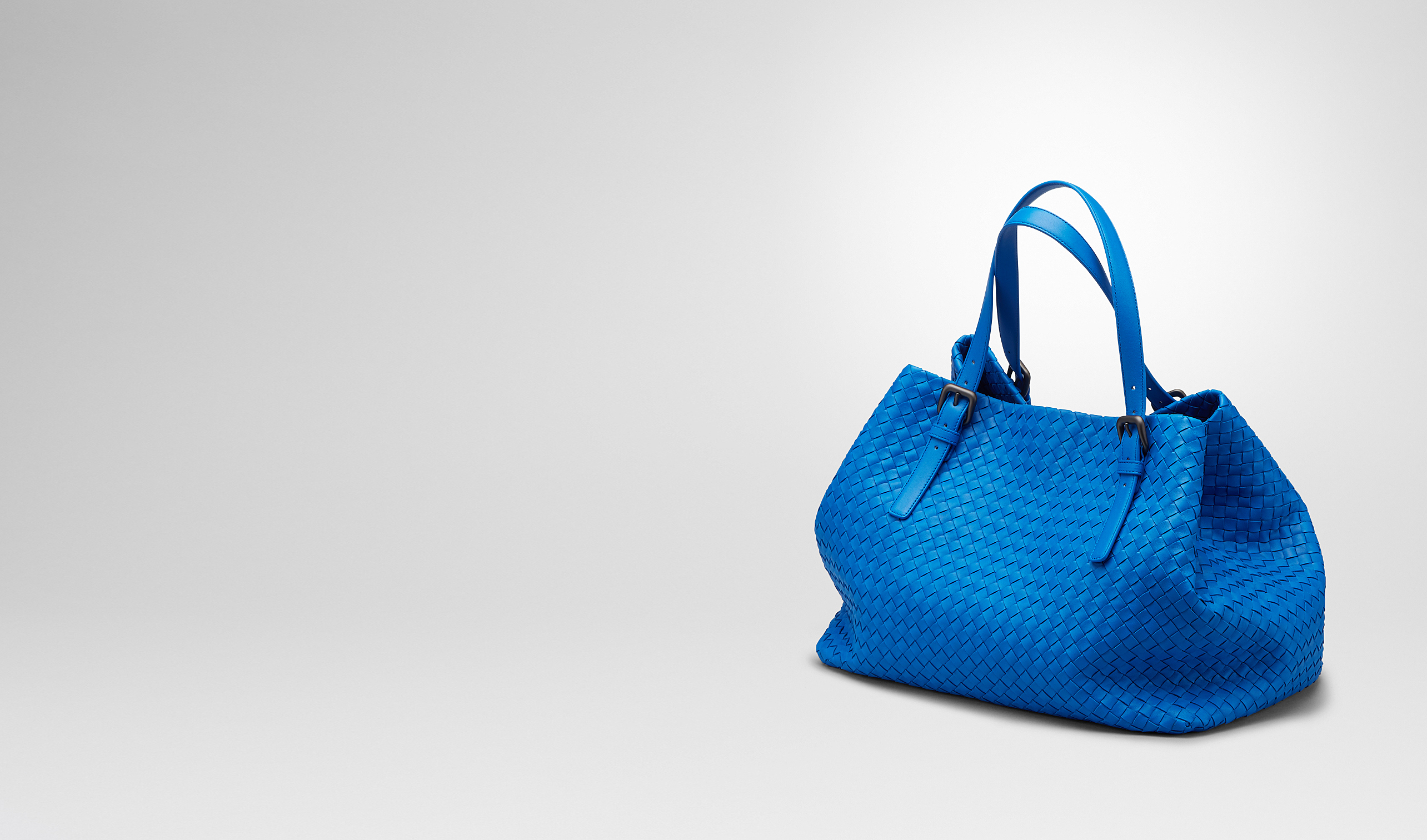 BOTTEGA VENETA Tote Bag D SIGNAL BLUE INTRECCIATO NAPPA TOTE BAG pl