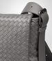 BOTTEGA VENETA MESSENGER-TASCHE AUS INTRECCIATO KALBSLEDER IN NEW LIGHT GREY Messenger Tasche U ep