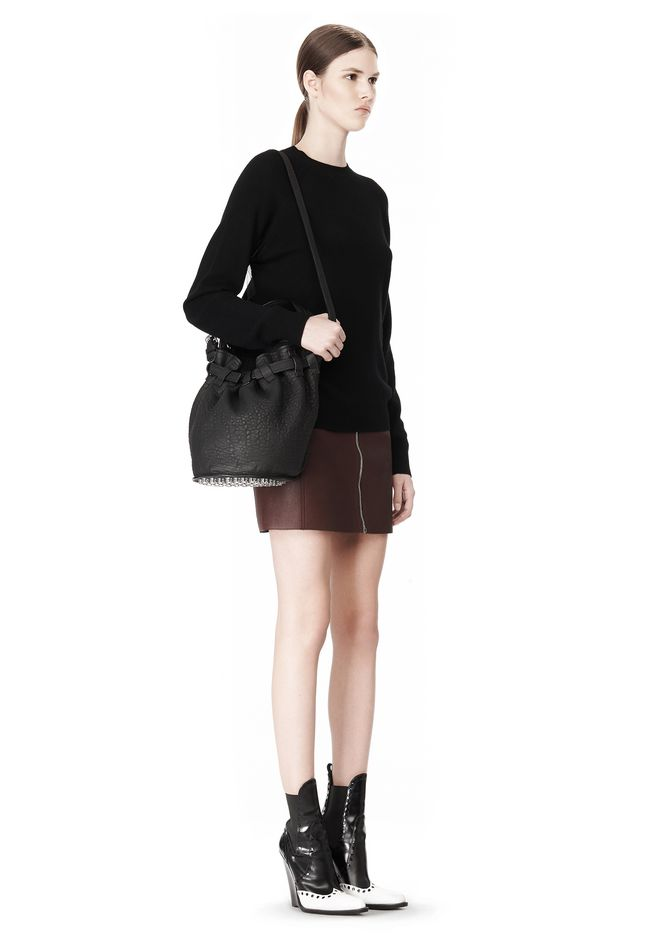 ALEXANDER WANG INSDIE OUT DIEGO BUCKET IN BLACK RUBBER LAMINATED Shoulder bag Adult 12_n_r