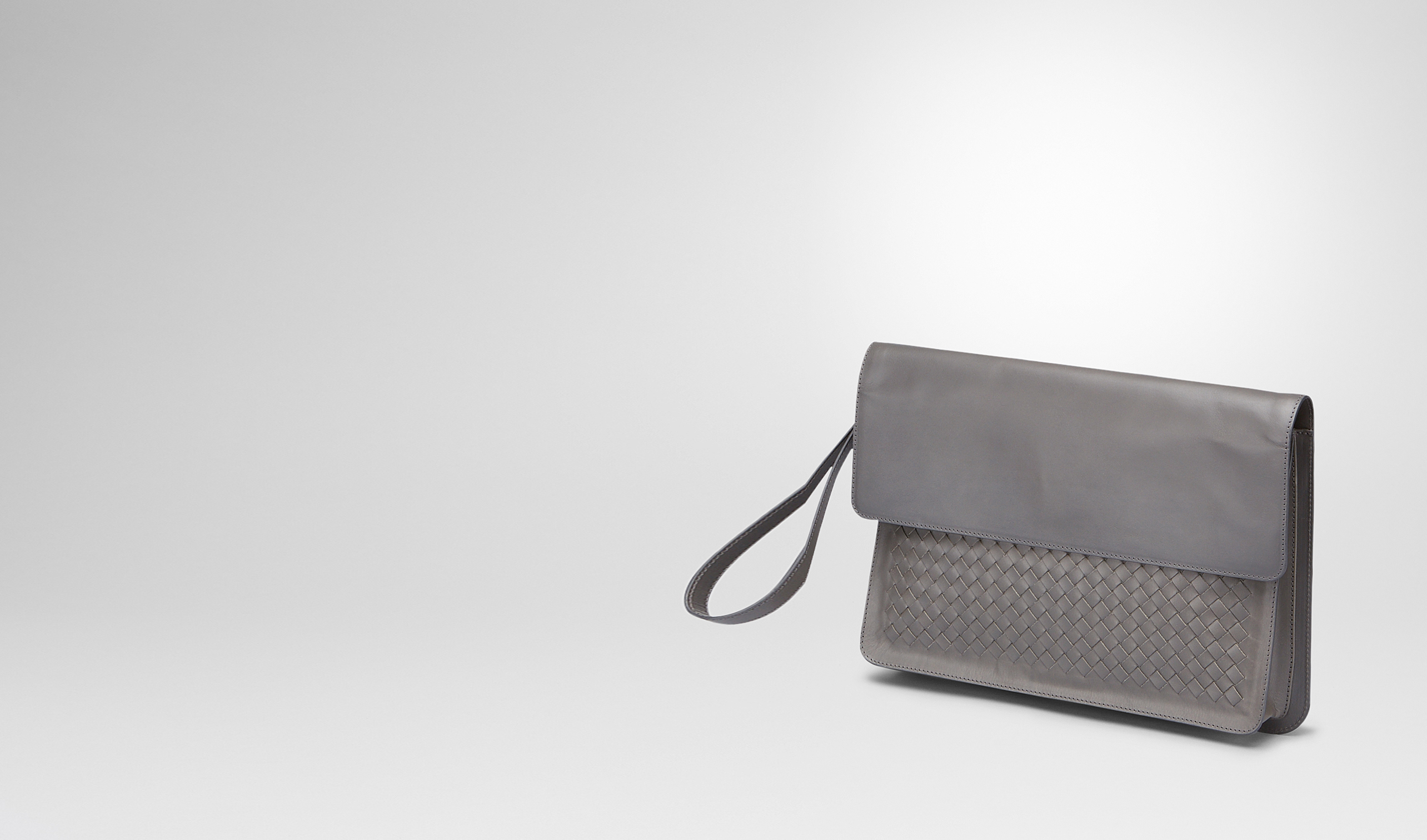 BOTTEGA VENETA Petit sac U PORTE-DOCUMENTS MEDIUM GREY EN CUIR DE VACHETTE INTRECCIATO pl