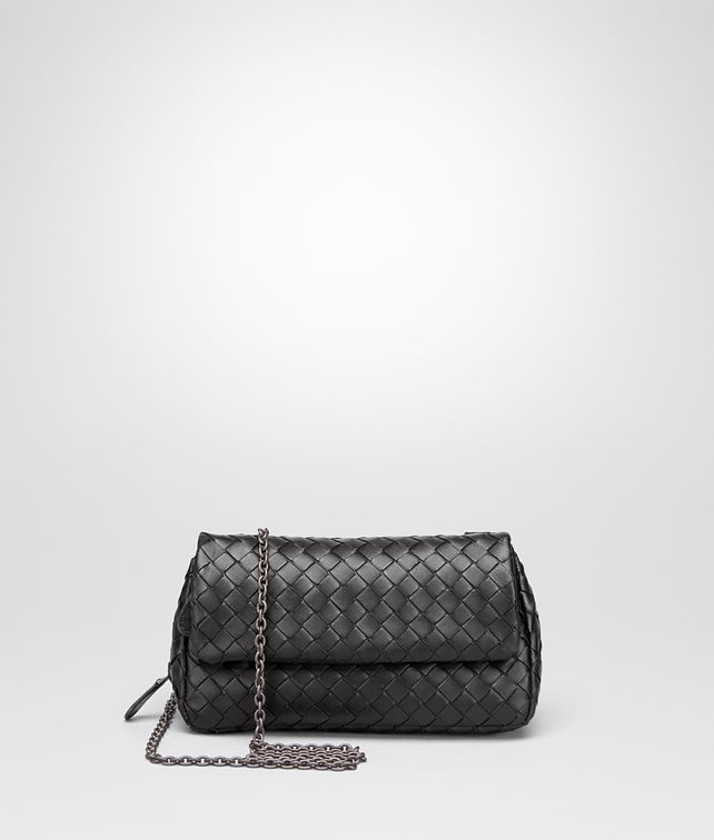 BOTTEGA VENETA MESSENGER BAG IN NERO INTRECCIATO NAPPA Crossbody bag Woman fp
