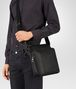 BOTTEGA VENETA MESSENGER BAG IN NERO INTRECCIATO NAPPA Messenger Bag Man ap
