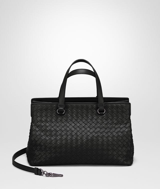 BOTTEGA VENETA MEDIUM TOP HANDLE BAG IN NERO INTRECCIATO NAPPA Top Handle Bag Woman fp