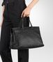 BOTTEGA VENETA LARGE TOP HANDLE BAG IN NERO INTRECCIATO NAPPA Top Handle Bag D ap