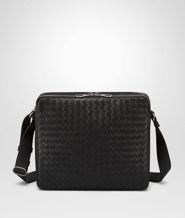 BOTTEGA VENETA MESSENGER BAG IN NERO INTRECCIATO VN Messenger Bag       pickupInStoreShippingNotGuaranteed info   c9e0d1340298a