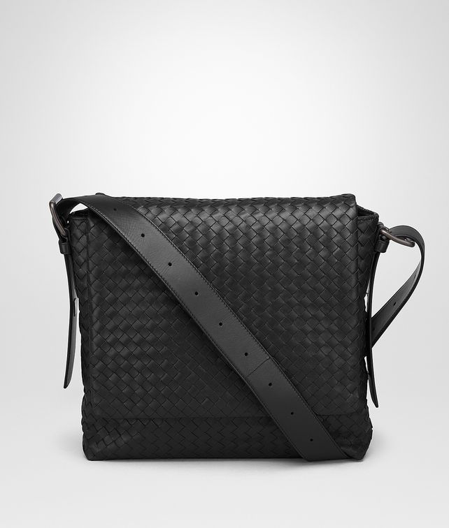 BOTTEGA VENETA MESSENGER BAG IN NERO INTRECCIATO CALF Messenger Bag Man fp