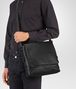 BOTTEGA VENETA MESSENGER BAG IN NERO INTRECCIATO CALF Messenger Bag Man ap