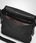BOTTEGA VENETA MESSENGER BAG IN NERO INTRECCIATO CALF Messenger Bag Man dp