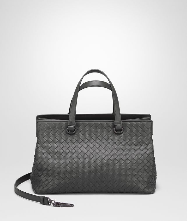 BOTTEGA VENETA MITTLERE TASCHE AUS INTRECCIATO NAPPA IN NEW LIGHT GREY Henkeltasche D fp