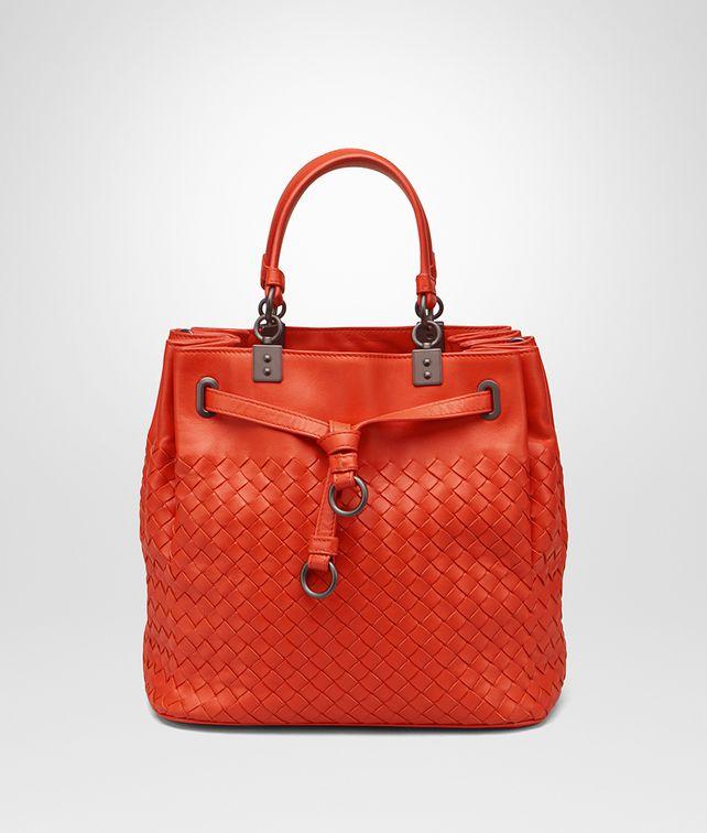 10e77d5019a7 BOTTEGA VENETA BUCKET BAG IN VESUVIO INTRECCIATO NAPPA Crossbody and Belt  Bags