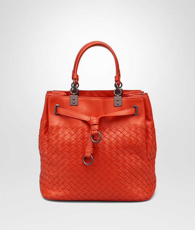 55982783b20d BOTTEGA VENETA BUCKET BAG IN VESUVIO INTRECCIATO NAPPA Crossbody and Belt  Bags