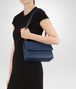 BOTTEGA VENETA KLEINE OLIMPIA TASCHE AUS INTRECCIATO NAPPA IN PACIFIC Shoulder Bag Damen lp