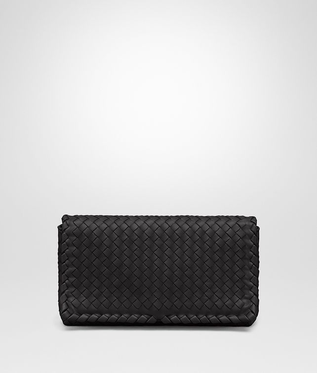 BOTTEGA VENETA CLUTCH BAG IN NERO INTRECCIATO NAPPA Clutch Woman fp