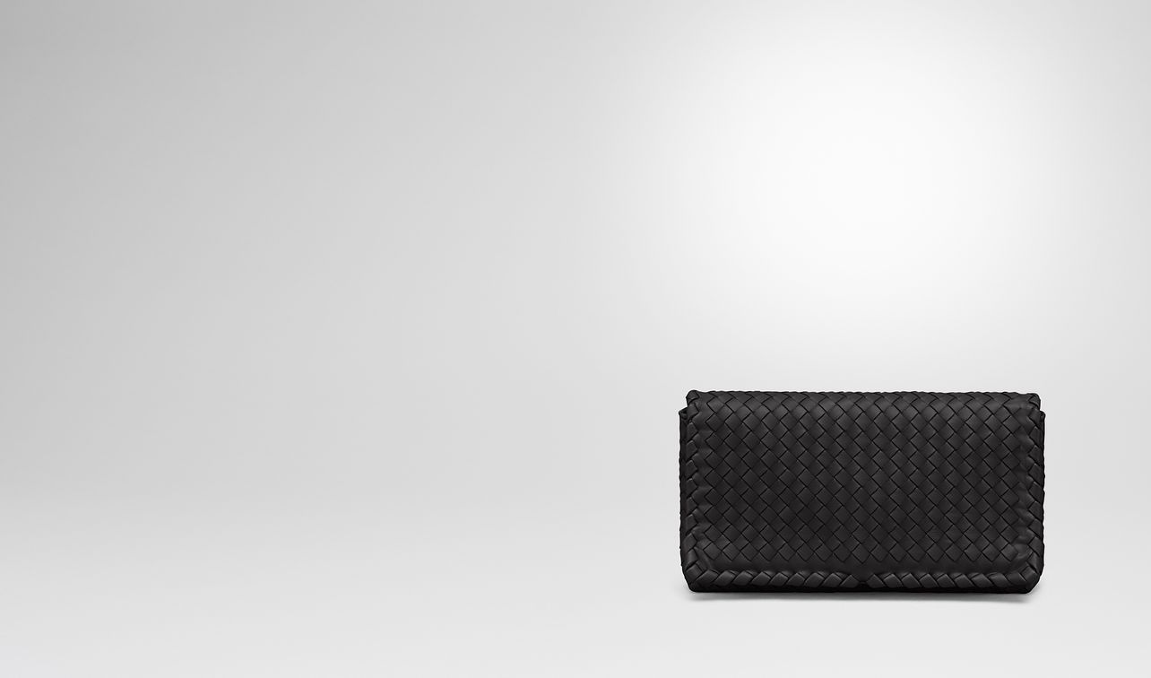 clutch bag in nero intrecciato nappa landing