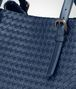 BOTTEGA VENETA GROSSE CESTA BAG AUS INTRECCIATO NAPPA IN PACIFIC Henkeltasche Damen ep