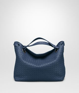 MEDIUM SHOULDER BAG IN PACIFIC INTRECCIATO NAPPA