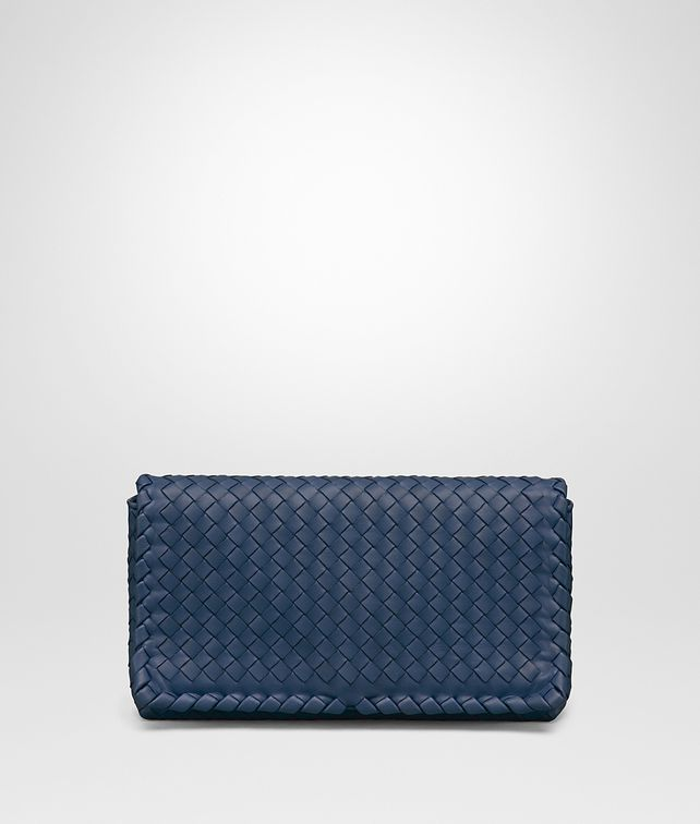 BOTTEGA VENETA CLUTCH BAG IN PACIFIC INTRECCIATO NAPPA Clutch Woman fp