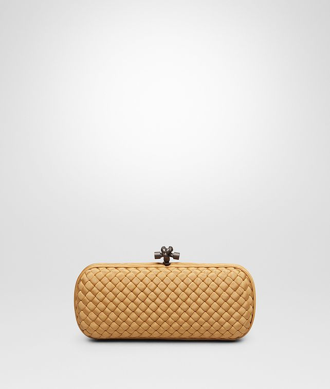 63b8dd815c4 BOTTEGA VENETA STRETCH KNOT CLUTCH IN ORO BRUCIATO INTRECCIO FAILLE MOIRE  Clutch