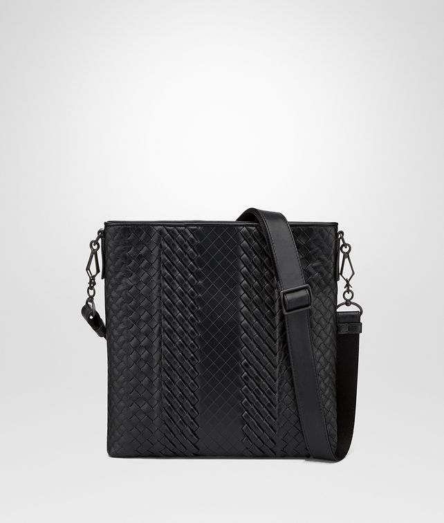 BOTTEGA VENETA MESSENGER BAG IN NERO INTRECCIO IMPERATORE CALF Messenger Bag [*** pickupInStoreShippingNotGuaranteed_info ***] fp