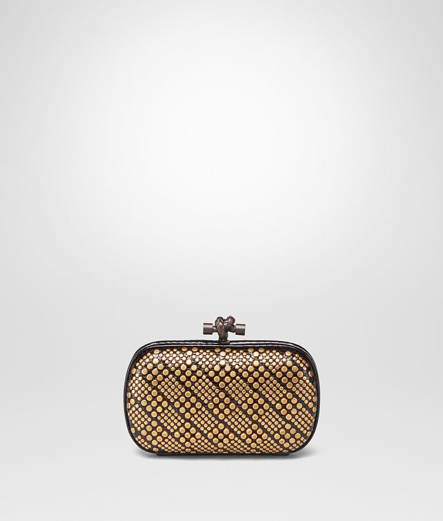 BOTTEGA VENETA KNOT IN NERO AYERS, METAL STUDS DETAILS Clutch Woman fp