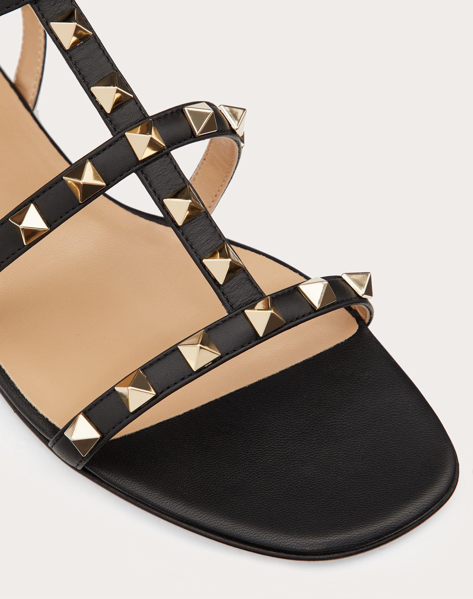 VALENTINO GARAVANI Rockstud Sandal FLAT SANDALS D a