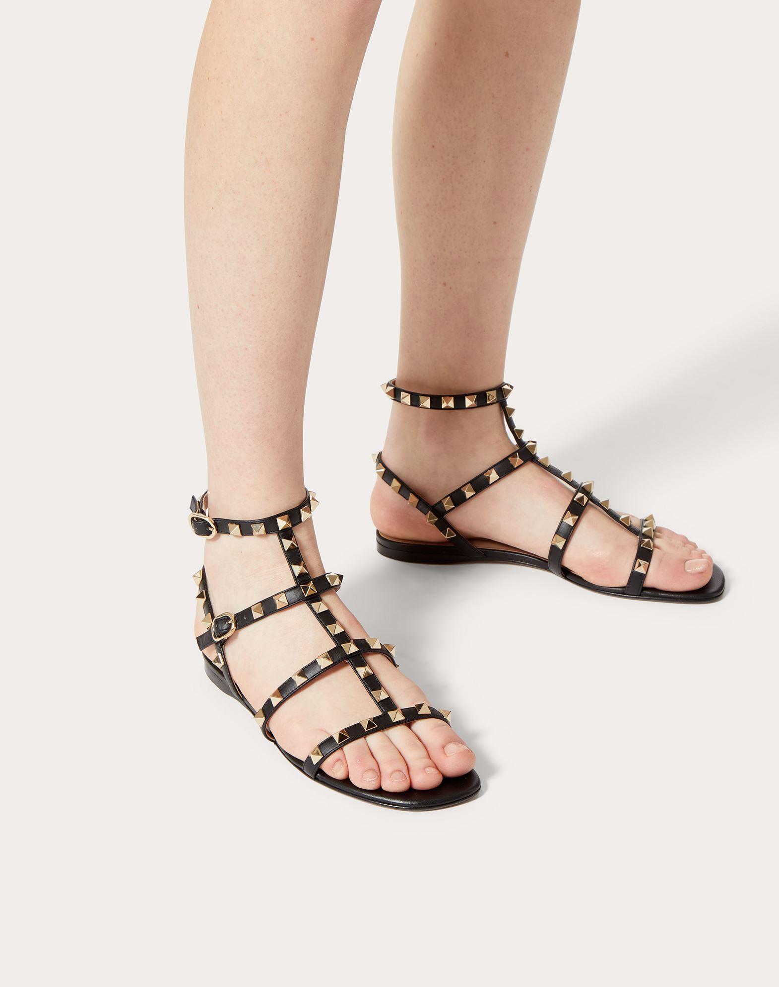 VALENTINO GARAVANI Rockstud Sandal FLAT SANDALS D b