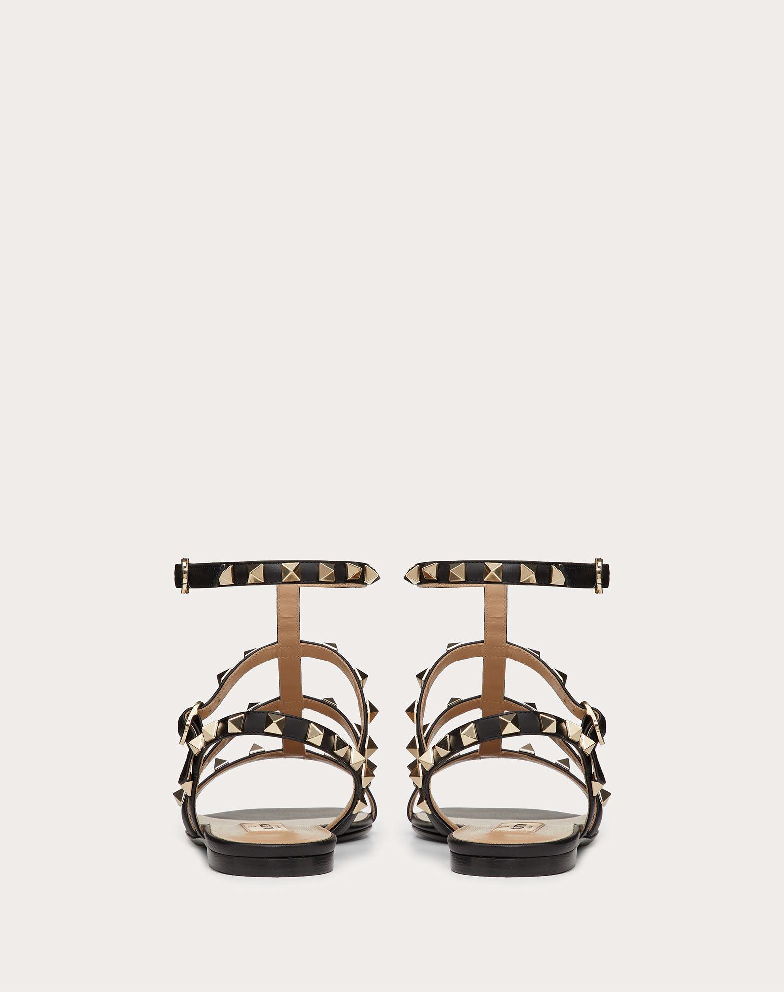 VALENTINO GARAVANI Rockstud Sandal FLAT SANDALS D d
