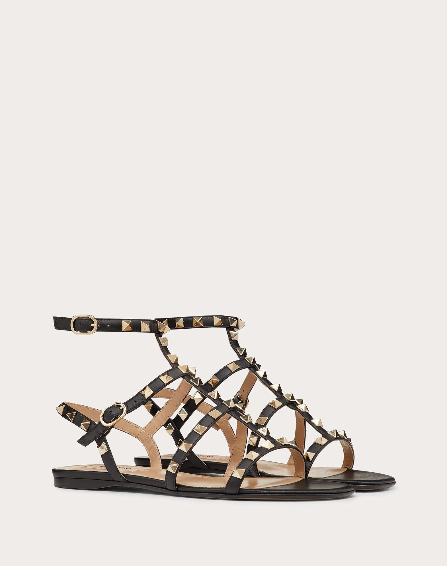 VALENTINO GARAVANI Rockstud Sandal FLAT SANDALS D r