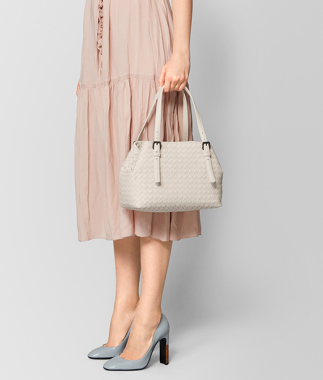 30代の女性に人気のボッテガヴェネタのレディースバッグ