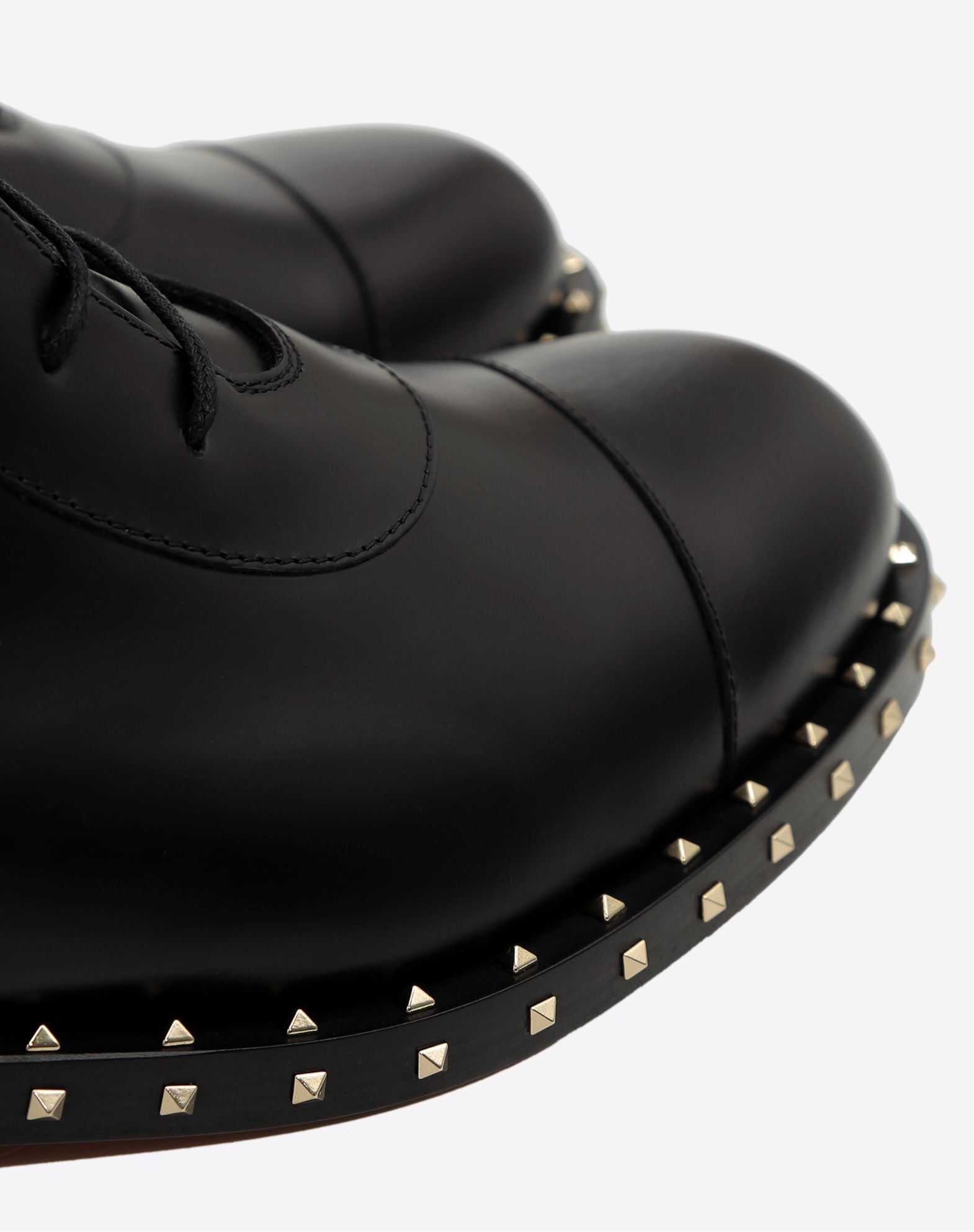 VALENTINO Round toeline Laces Leather sole Studs Solid colour  45351088wt
