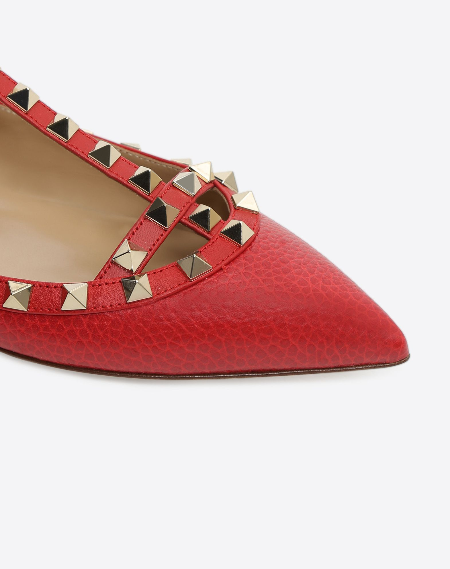 VALENTINO Contrasting applications Textured leather Narrow toeline Leather sole Buckle  45351402qk