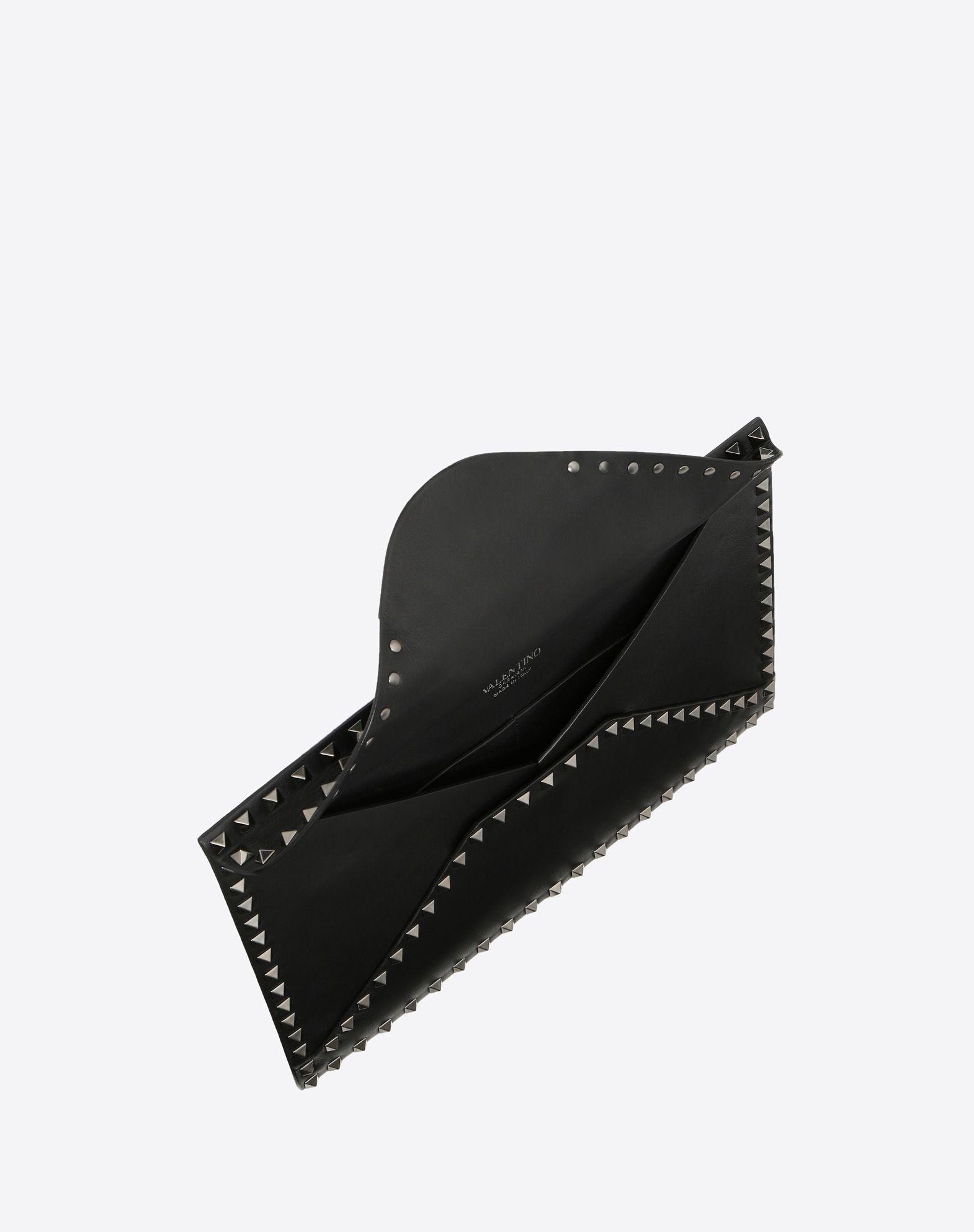 VALENTINO GARAVANI UOMO Bolso clutch Rockstud Untitled Noir Bolso de mano U e