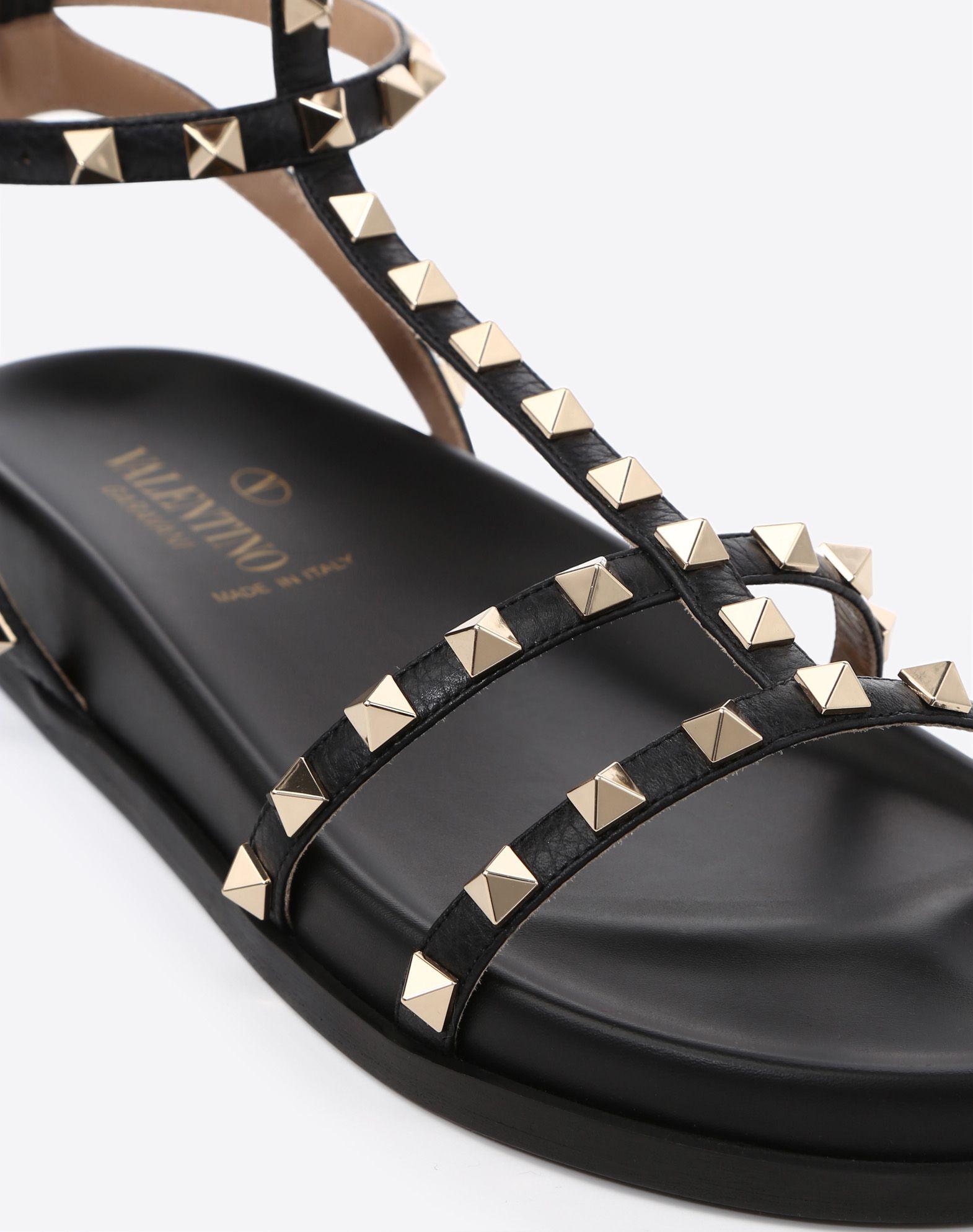 VALENTINO GARAVANI Rockstud Low Sandal Sandal D b
