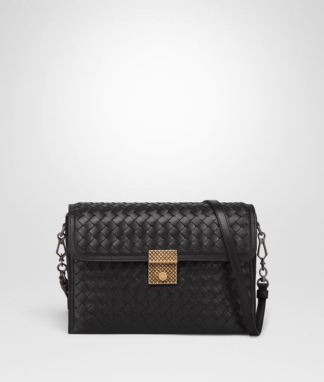 BOTTEGA VENETA SMALL MESSENGER BAG IN NERO INTRECCIATO NAPPA LEATHER Borsa a Tracolla Donna fp