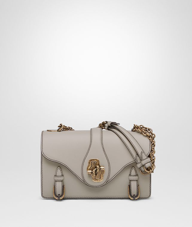 BOTTEGA VENETA CITY KNOT BAG IN CALF CEMENT Borsa a spalla D fp