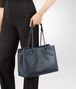 BOTTEGA VENETA BORSA SHOPPING MEDIA IN INTRECCIATO NAPPA DENIM Borsa Shopping D lp