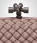 BOTTEGA VENETA STRETCH KNOT IN DESERT ROSE INTRECCIO FAILLE MOIRE Clutch D ep