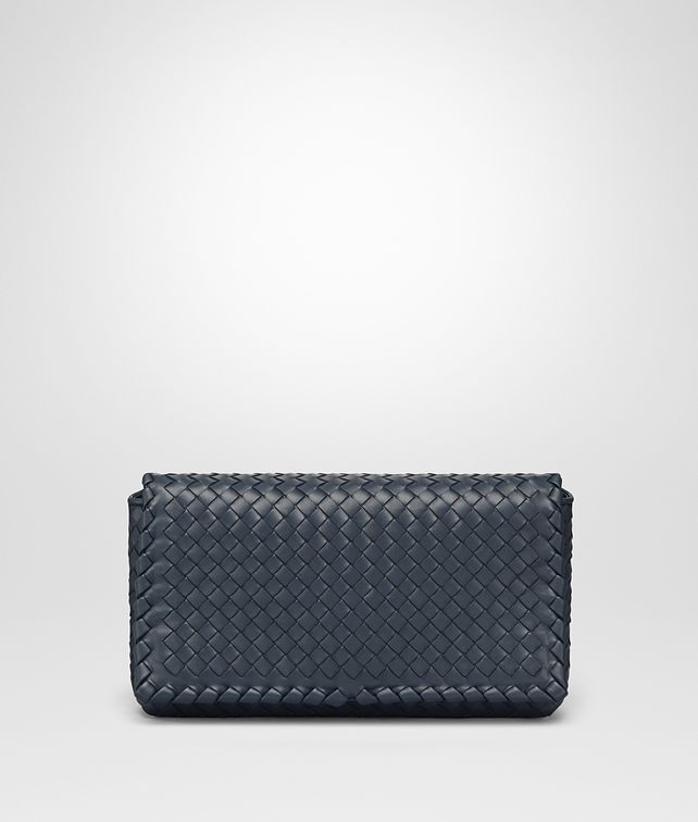 BOTTEGA VENETA MEDIUM CLUTCH BAG IN DENIM INTRECCIATO NAPPA LEATHER Clutch Woman fp