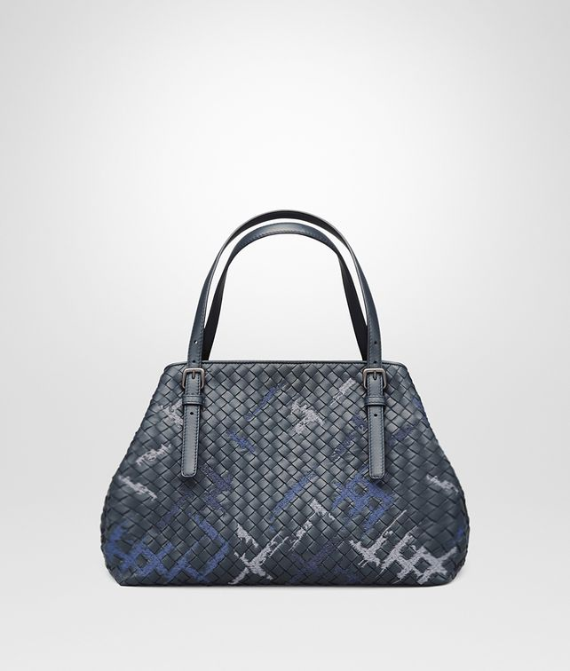 BOTTEGA VENETA MEDIUM TOTE BAG IN DENIM INTRECCIATO NAPPA, EMBROIDERED DETAILS Tote Bag D fp