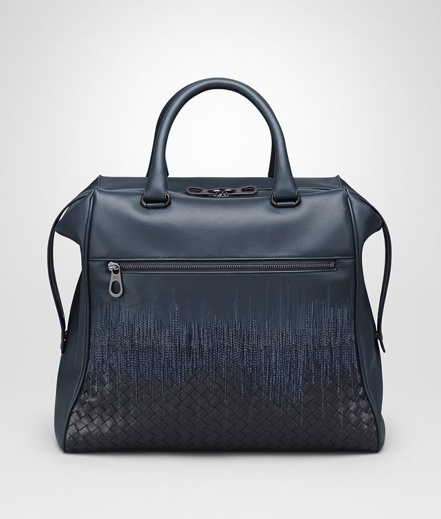 BOTTEGA VENETA TOTE BAG IN DENIM TOURMALINE EMBROIDERED NAPPA LEATHER, INTRECCIATO DETAIL Tote Bag Man fp