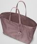 BOTTEGA VENETA LARGE TOTE BAG IN GLICINE INTRECCIOLUSION Top Handle Bag Woman dp