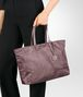 BOTTEGA VENETA MEDIUM TOTE BAG IN GLICINE INTRECCIOLUSION Top Handle Bag D ap