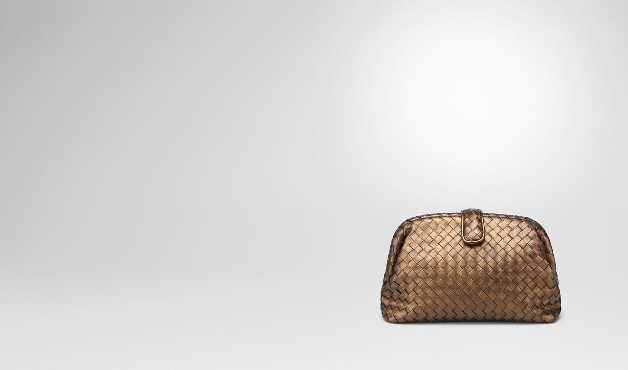 oro scuro intrecciato nappa the lauren 1980 clutch landing