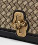 BOTTEGA VENETA KNOT CLUTCH AUS INTRECCIATO STRICK IN ORO BRUCIATO Clutch Damen ep