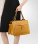 BOTTEGA VENETA BORSA SHOPPING IN NAPPA OCRE Borsa Shopping D ap